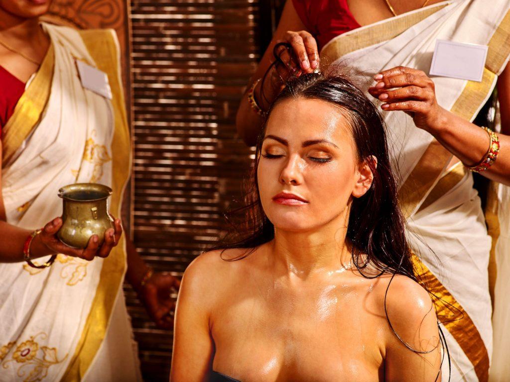 Uleiuri si unturi naturale pentru intretinea parului si a scalpului