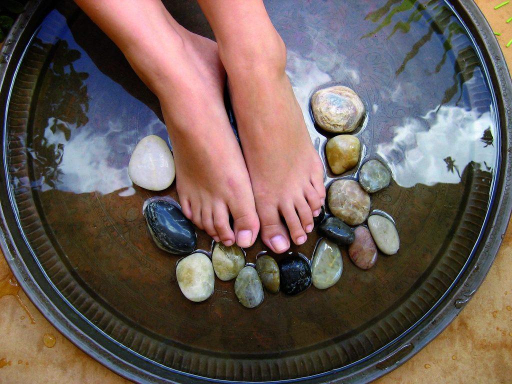 Ritual Marocan pentru picioare usoare - Piatra Ponce