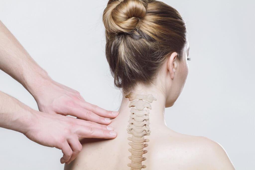 Studiu: Efectele masajului asupra durerilor din zona cervicala Imagine de la Sergey G. - Pixabay