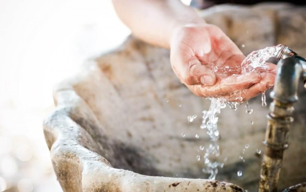 Proprietățile apelor minerale naturale